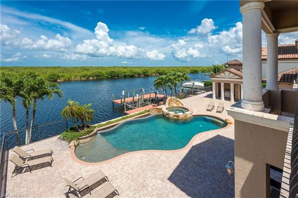 unobstructed sunset views and sail boat access to the Gulf of Mexico luxury homes