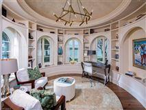 Luxury properties majestic port royal residence