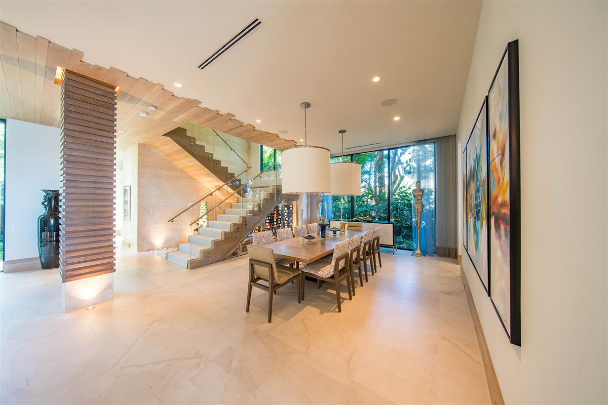 private gated ocean to Intracoastal estate luxury real estate