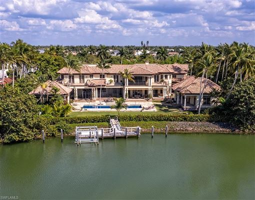 Mansions Beautiful estate spanning two Port Royal lots