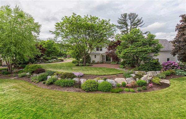 Luxury properties Home and Barn set on 10 enchanting acres