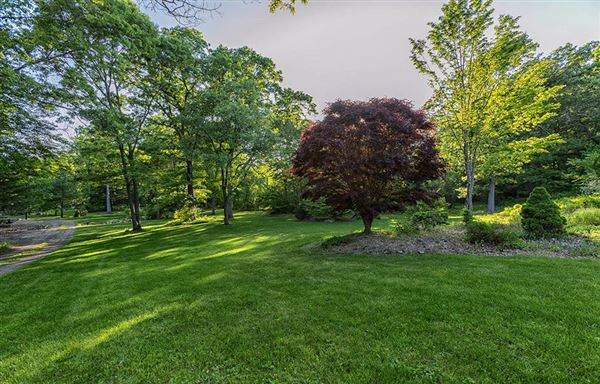 Home and Barn set on 10 enchanting acres mansions