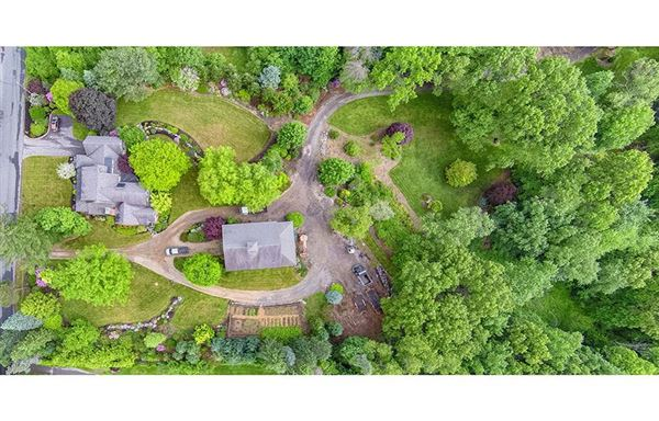 Mansions in Home and Barn set on 10 enchanting acres