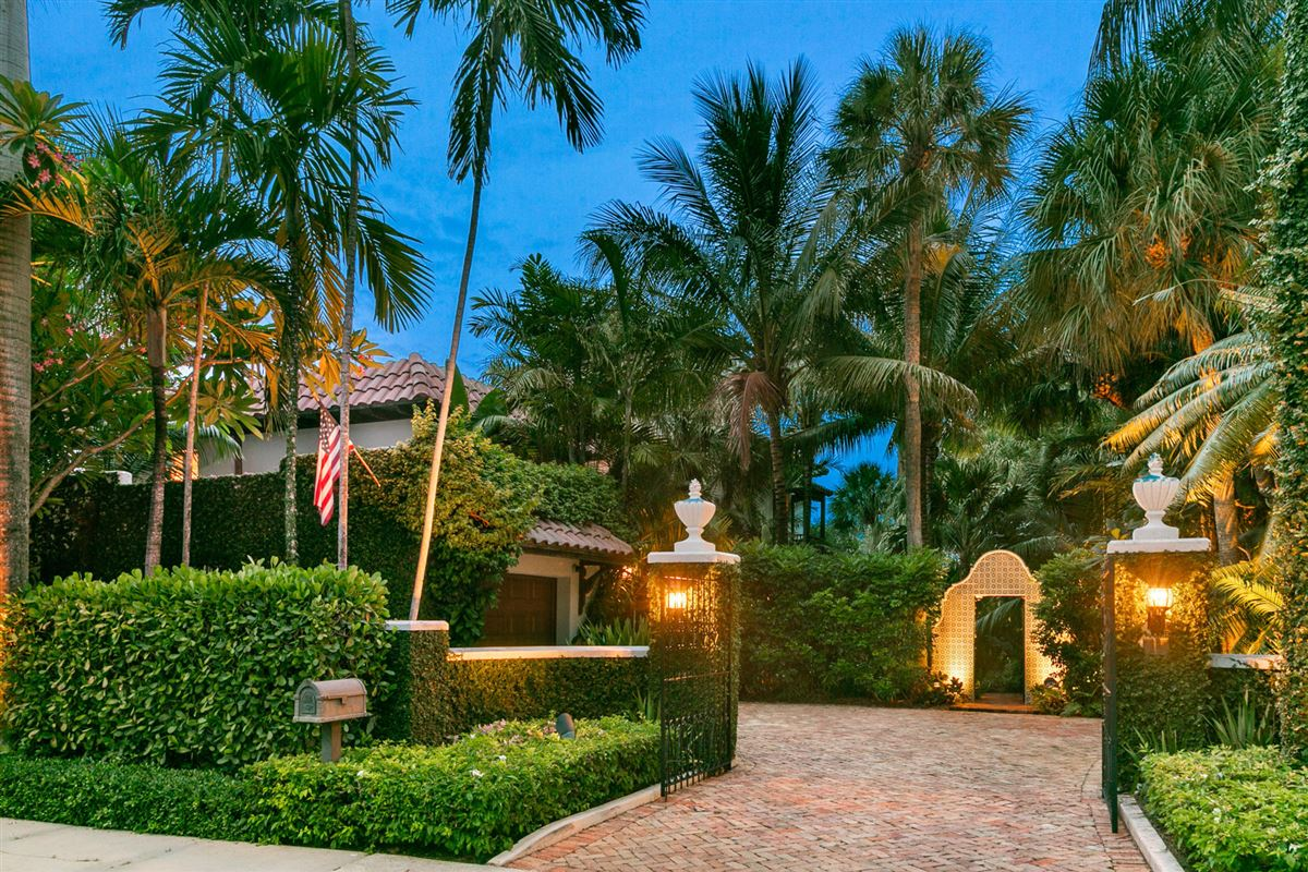 Luxury homes renovated estate in prestigious el cid