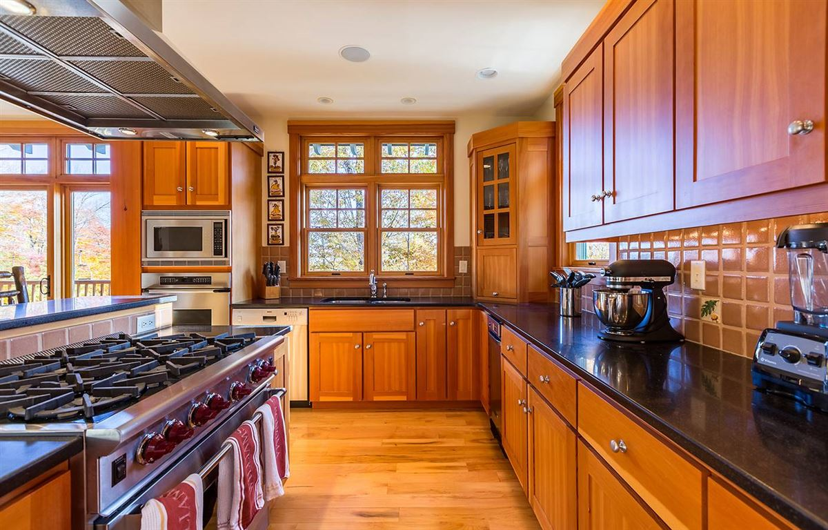 Luxury homes in the ultimate slope side location on Okemo