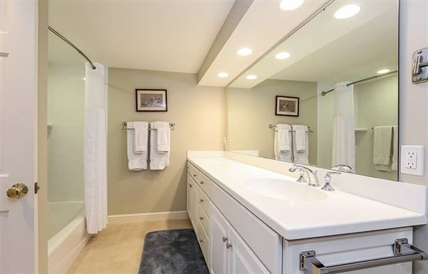 Mansions Gracious rambling Cape with deeded beach rights