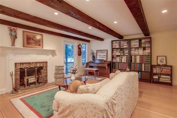 WATERFRONT Tudor  luxury homes