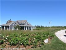 Luxury properties lovely North shore property with protected water views