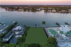 Mansions new coastal traditional on Naples Bay