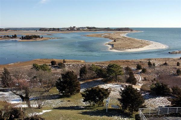 Luxury homes in the finest views on cape cod