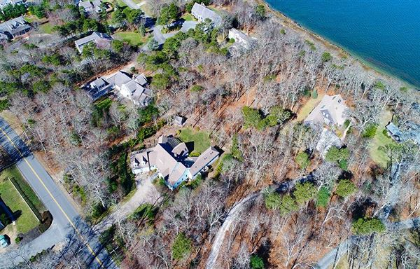 Mansions in two luxury lots on town cove