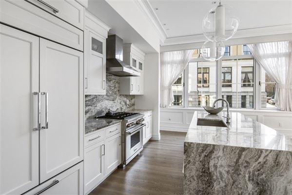 remarkable Single floor residence luxury real estate