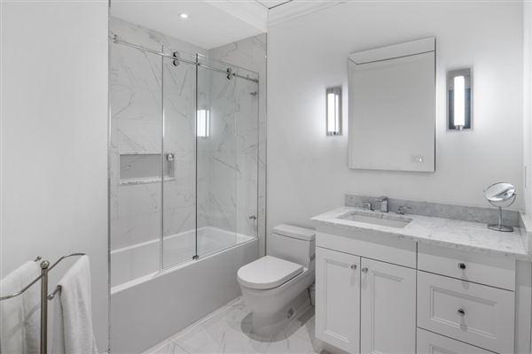 Luxury properties remarkable Single floor residence