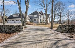 Luxury homes exceptional Wamphassuc Road property