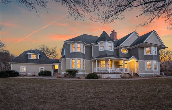 Luxury homes in exceptional Wamphassuc Road property