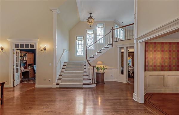 sophisticated Bedford Corners colonial home luxury real estate