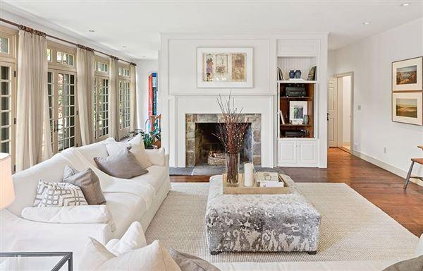Luxury homes riverfront estate
