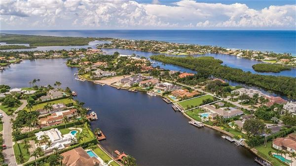Luxury homes exceptional wide water property