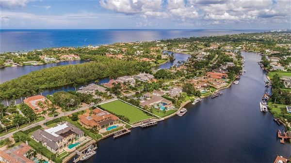 Luxury real estate exceptional wide water property