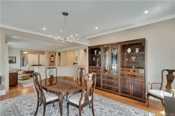 Custom-built home in exquisite Deer Run Estates luxury properties