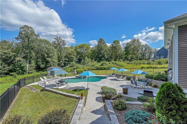 Custom-built home in exquisite Deer Run Estates luxury homes