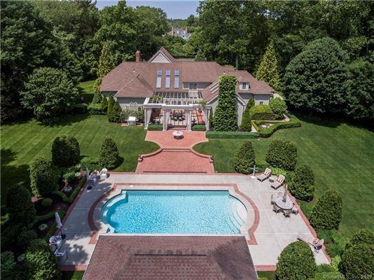 Luxury real estate Stunning year-round retreat beautifully sited