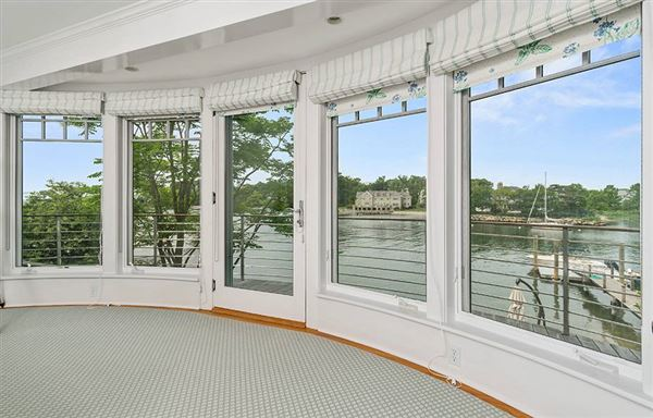 Luxury homes Direct waterfront home with dock