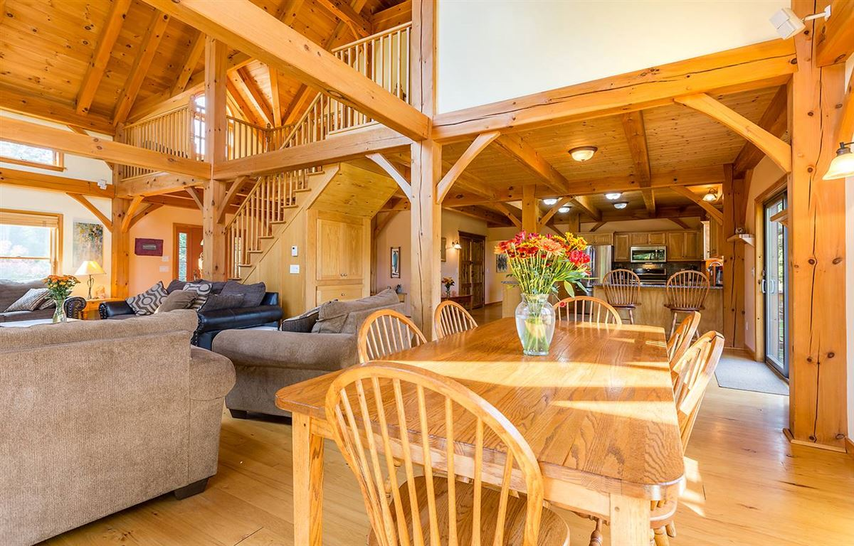 Luxury homes in a beautiful Stratton home