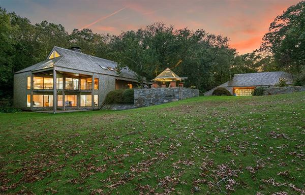 most coveted waterfront in Connecticut luxury homes