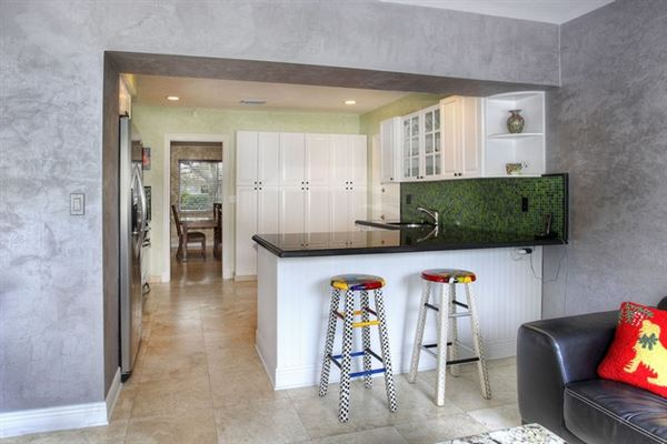 Luxury real estate wonderful corner home in hot community