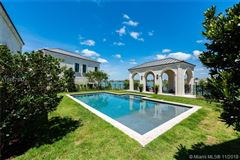 Luxury properties A waterfront classic