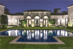 Luxury homes in A waterfront classic