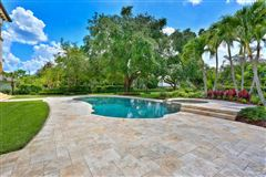 Mansions  tasteful updates in pinecrest