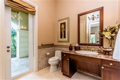 spacious and elegant home in northeast Pinecrest luxury properties
