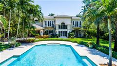 Luxury homes spacious and elegant home in northeast Pinecrest