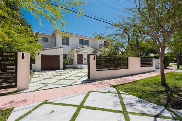 Miami Beach Luxury Homes And Miami Beach Luxury Real Estate | Property  Search Results | Luxury Portfolio