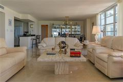 Luxury properties fabulous corner unit in miami beach