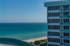 Mansions in fabulous corner unit in miami beach