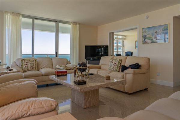 Luxury real estate fabulous corner unit in miami beach