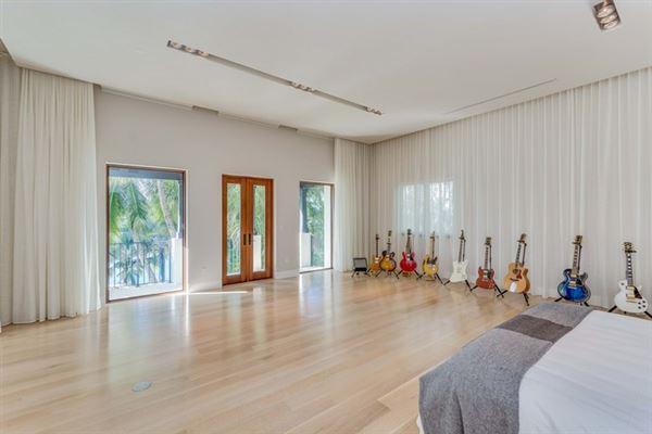 Luxury properties Spectacular Miami Beach Modern Mediterranean