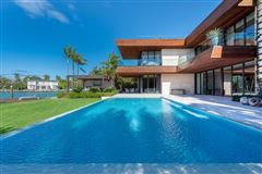 New contemporary Bayfront mansion mansions