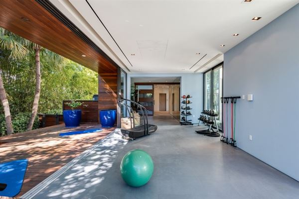Luxury real estate New contemporary Bayfront mansion