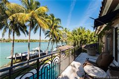 Luxury properties an enchanting waterfront home in Florida