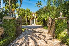 Mansions an enchanting waterfront home in Florida