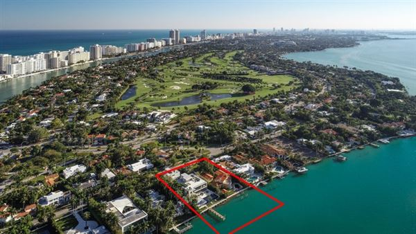 Luxury homes The Trophy Mega-Mansion in Miami Beach