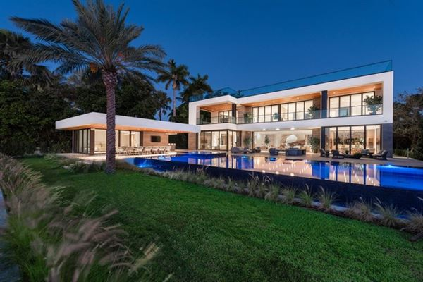 Luxury real estate The Trophy Mega-Mansion in Miami Beach