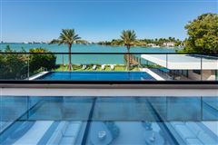 The Trophy Mega-Mansion in Miami Beach mansions