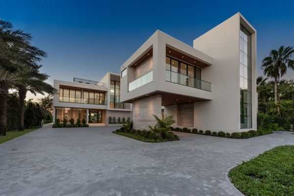The Trophy Mega-Mansion in Miami Beach luxury properties