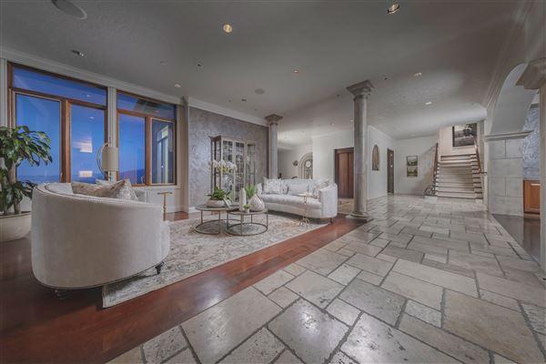 Luxury real estate Monte Olimpo