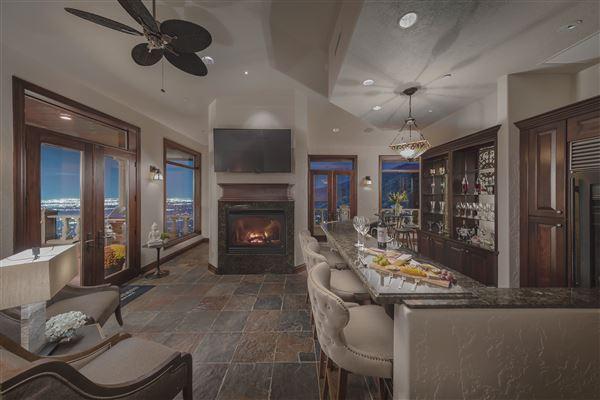 Monte Olimpo luxury properties
